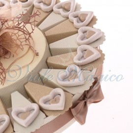 Bomboniere Matrimonio Eleganti Pensierini Torta con Magnete Doppio Cuore in Porcellana