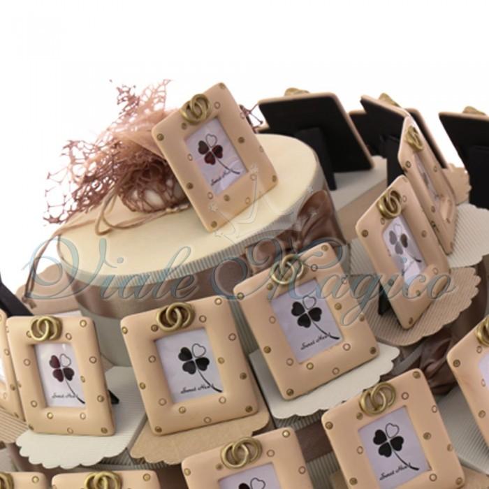 Bomboniere Matrimonio Nozze D'oro Torta Alzatina con Portafoto Fedi Oro per Sposi Confettata