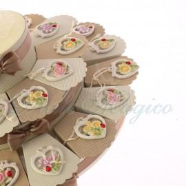Bomboniere Promessa Eleganti Torta con Appendino Cuore con Fiori Confettate