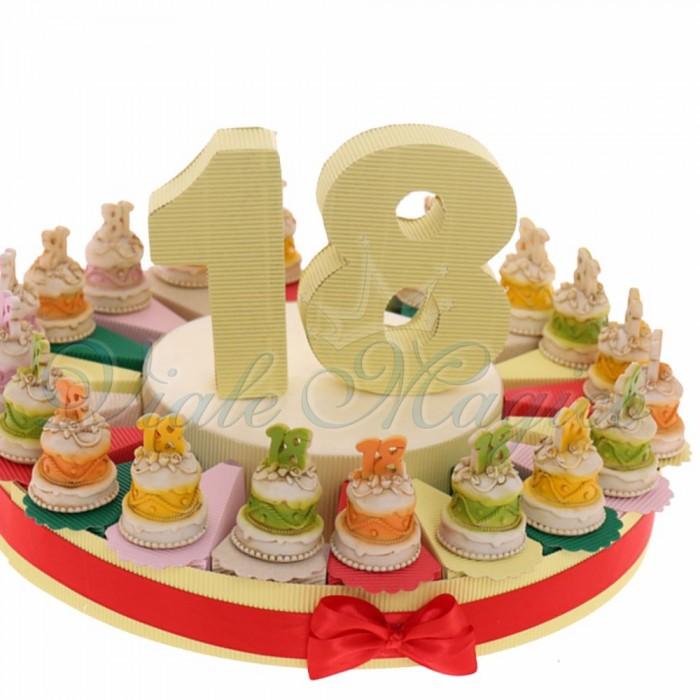 Offerte Pensierini Compleanno 18 Anni Torta Bomboniere Statuina Tortina 18 Anni New