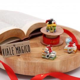 BOMBONIERA FAIDATE LAUREA Portachiave Libroni Interessanti Portafortuna Handmade