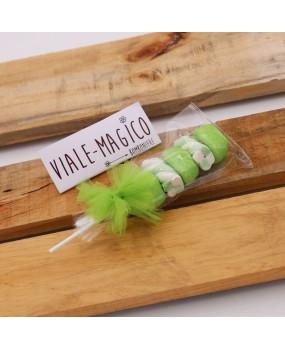 Spiedini Marshmallow con Caramelle Trecce e Palline Verde