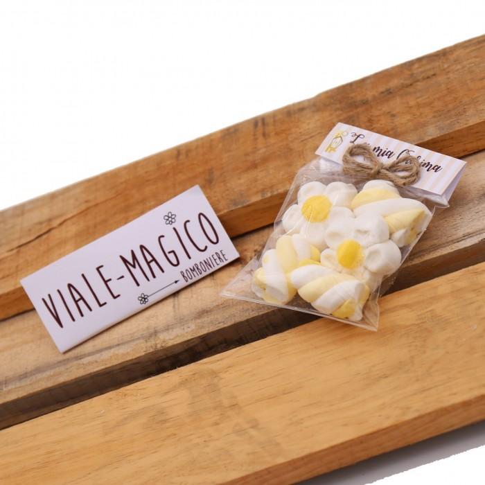 Bustina Cresima Marshmallow con Fiori e Trecce Bianche e Gialle