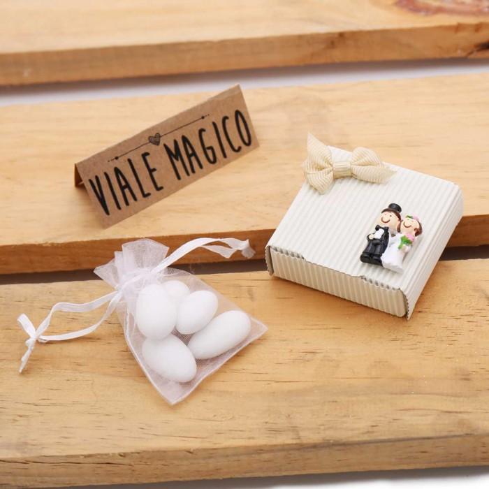 Matrimonio Bomboniere : Bomboniere matrimonio scatoline sposini economiche con confetti
