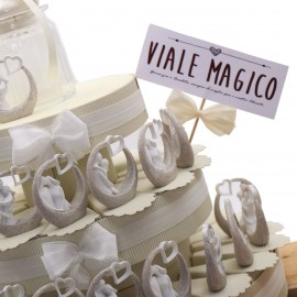 """Torta Bomboniere Elegante con Statuina Sposi """"Il Bacio"""""""