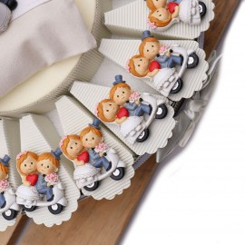 Calamite Sposi in Vespa Torta Bomboniere Matrimonio per una festa elegante