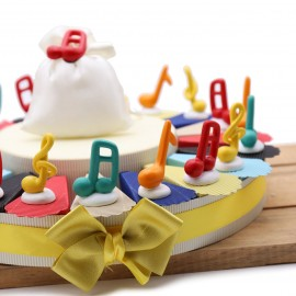 Bomboniere Compleanno Note Musicali Colorate con chiave di Violino con astucci e confetti crispo.