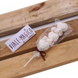 Spiedini Marshmallow Heart con Caramelle Trecce e Cuori Tortora