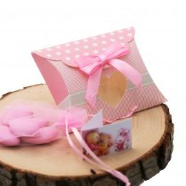 Bomboniera Nascita Bimba Busta Cuore Rosa Astuccio Star confezionato con confetti.