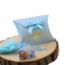 Bomboniera Nascita Bimbo Busta Cuore Celeste Astuccio Star confezionato con confetti.