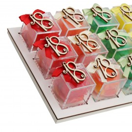 Vassoio Plexiglass Mix Color con Applicazione Legno 18 Confetti