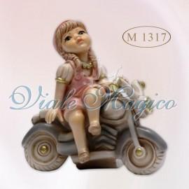 Bomboniera Bimba su Vespa in Porcellana di Capodimonte