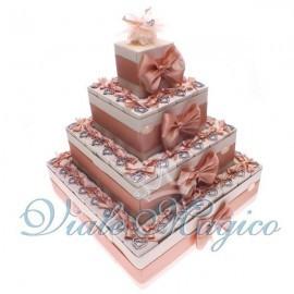 Torta Portaconfetti con 60 Bomboniere Ciondolo Cuore Strass