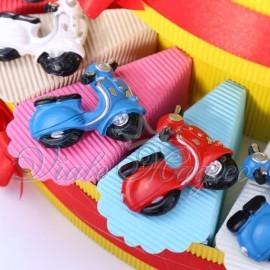 Torta Bomboniere Magnete Vespine Colorate per Compleanno