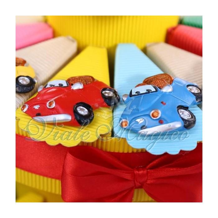 Offerta Torta Bomboniere Magnete Macchinina Colorate per Compleanno Alzatina
