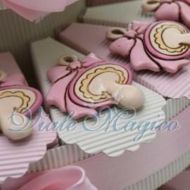 Torta Multipiano con Magnete Biberon Rosa