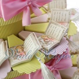 Torta Portaconfetti Libro con Nappina Comunione Bimba