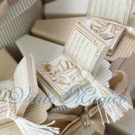 Torta Bomboniere Scatoline Portaconfetti Libro con Nappina Cresima Offerte