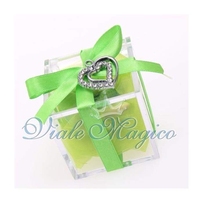 Bomboniera Plexiglass Bianco Verde con Ciondolo Cuore Strass Promessa