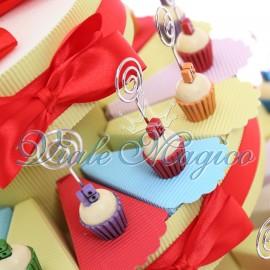 Torta Confetti con Memoclip Cupcake Compleanno 18 Anni
