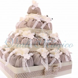 Bomboniere Cresima Prima Comunione Matrimonio Offerte Torta Quadrata con 32 Sacchetti Flower Marrone